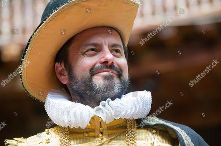 Dominic Rowan (Duke Vincentio)