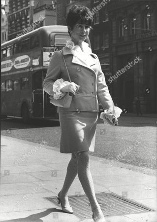 Actress Carole Ann Ford Attending The Law Courts To Obtain A Divorce From Husband Walter Jokel. Box 0591 22062015 00348a.jpg.