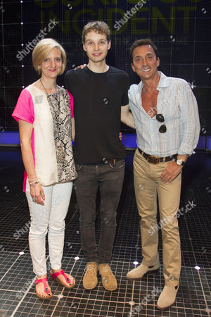 Stock Photo of Marianne Elliott (Director), Sion Daniel Young (Christopher Boone) and Bruno Tonioli backstage after the curtain call
