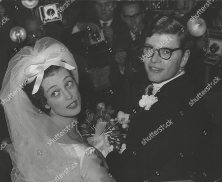Wedding Of Racehorse Trainer Gerald 'toby' Balding To Miss Caroline Barclay. Box 0592 24062015 00374a.jpg.
