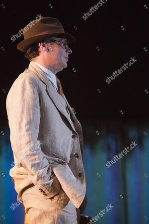 Robert Sean Leonard as Atticus Finch