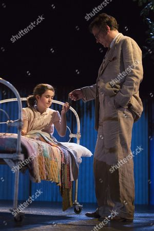 Robert Sean Leonard as Atticus Finch and Ava Potter as Scout.