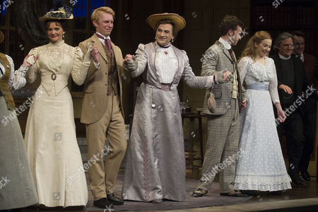 Emily Barber (Gwendolen Fairfax), Michael Benz (Jack Worthing), David Suchet (Lady Bracknell), Philip Cumbus (Algernon Moncrieff), Imogen Doel (Cecily Cardew) and Richard O'Callaghan (Reverend Canon Chasuble)