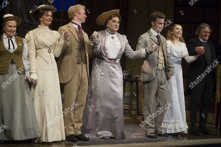 Michele Dotrice (Miss Prism), Emily Barber (Gwendolen Fairfax), Michael Benz (Jack Worthing), David Suchet (Lady Bracknell), Philip Cumbus (Algernon Moncrieff), Imogen Doel (Cecily Cardew) and Richard O'Callaghan (Reverend Canon Chasuble)