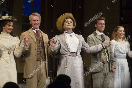 Emily Barber (Gwendolen Fairfax), Michael Benz (Jack Worthing), David Suchet (Lady Bracknell), Philip Cumbus (Algernon Moncrieff) and Imogen Doel (Cecily Cardew)