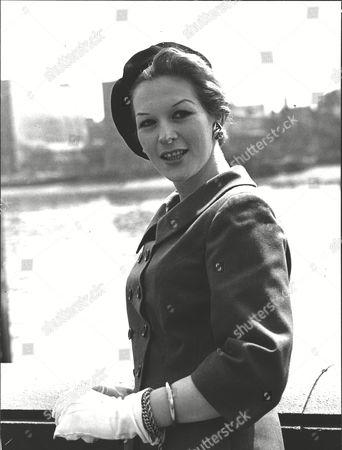 Pamela-ann Davy Australian Actress. Box 0592 24062015 00095a.jpg.