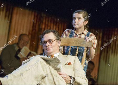 Ava Potter as Scout, Robert Sean Leonard as Atticus