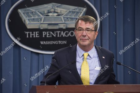 US Secretary of Defense, Ashton Carter briefs Pentagon reporters and announce the new commandant of the US Marine Corps.