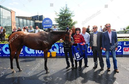 Fairyhouse AINIPPE in the winners enclosure with (left-Right) Killian Leonard, Colin Keane, Shane Lyons, Ger Lyons & Peter Moloney after winning the Group 3 Brownstown Stud Stakes.