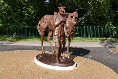 The Romsey War Horse and Trooper Statue by Amy Goodman
