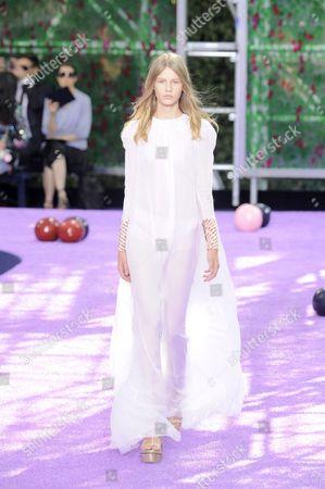 Sofia Mechetner, 14. Model on catwalk