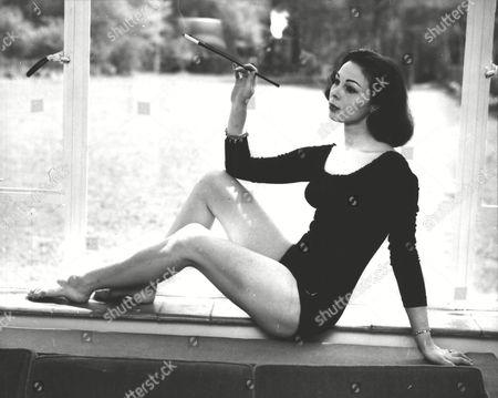 Stock Image of Hazel Graeme (22) Ex-dior Fashion Model & Jazz Singer And Television Hostess. Box 0593 24062015 00209a.jpg.