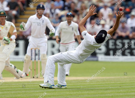 Alastair Cook the England captain catches Brad Haddin of Australia at the 2nd attempt off the bowling of Moeen Ali.