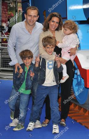 Samantha Simmonds & her family