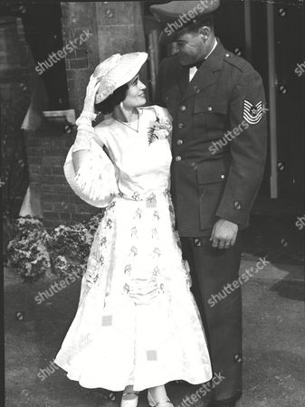 Double Amputee Margaret Guiver And George Newton On Their Wedding Day. Box 0597 25062015 00369a.jpg.