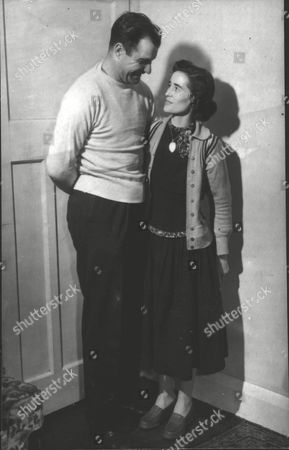 Double Amputee Margaret Guiver With Fiancee George Newton - She Is Planning To Walk Down The Aisle On Their Wedding Day Wearing Artificial Legs. Box 0597 25062015 00358a.jpg.