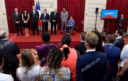 Anne Hidalgo, Bernard Lapasset, Francois Hollande, Jean Paul Huchon, Tony Estanguet and Emmanuelle Assmann