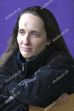Alison L Kennedy
