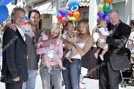 (L-R) Peter Wingfield, Scott Baio, Skylar Shaye, Anastasia Trovato and Jon Voight with a few of the babies from the cast.