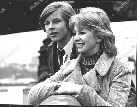 Film 'deep End' (1970) Jane Asher And John Moulder Brown. Box 0604 06072015 00439a.jpg.