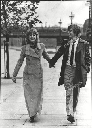 Film 'deep End' (1970) Jane Asher And John Moulder Brown. Box 0604 06072015 00455a.jpg.