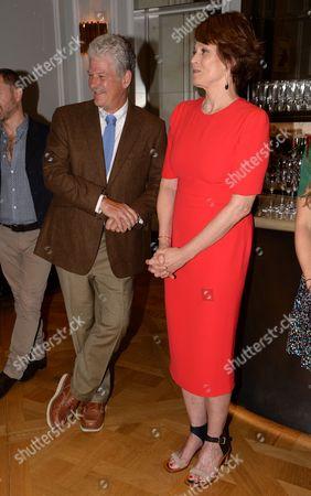 Stock Photo of Jim Simpson and Sigourney Weaver