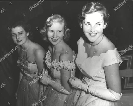 1951 Debutantes Ball At The Grosvenor Hotel. L-r: Cynthia Baines Margaret Wakefield And Patricia Barry. Box 0605 06072015 00120a.jpg.