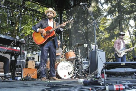 Drew Holcomb performs at Marymoor Park.
