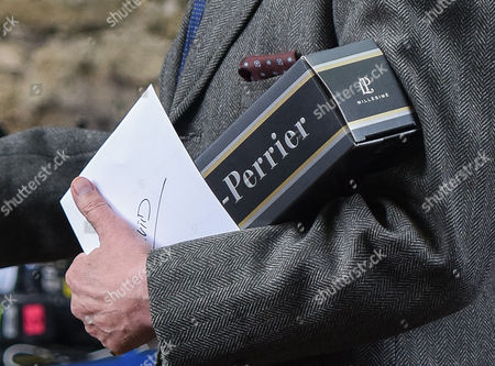 David Robb received a bottle of Laurent Perrier champagne and a card signed by cast and crew.