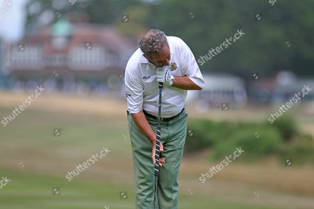 Sam Torrance putting on the 1st hole during The Senior Open Championship, Sunningdale Golf Club, Sunningdale