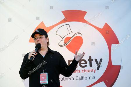 Host Jamie Gold speaks