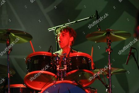 Matt Cameron from Soundgarden performing