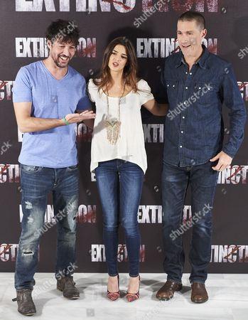 Miguel, Clara Lago and Matthew Fox