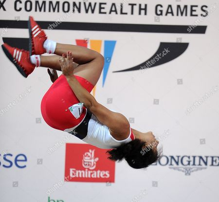 Commonwealth Games 2014:glasgow Scotland: England's Zoe Smith Takes The Gold Medal In Weightlifting.