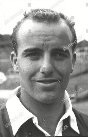 Dennis Edwards Charlton Athletic F.c. Footballer. Box 0607 050315 00011a.jpg.