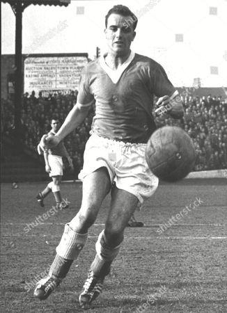 Dennis Edwards Charlton Athletic F.c. Footballer In Action. Box 0607 050315 00012a.jpg.
