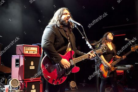 The Magic Numbers perform at the O2 Shepherds Bush Academy on the 10th October 2010