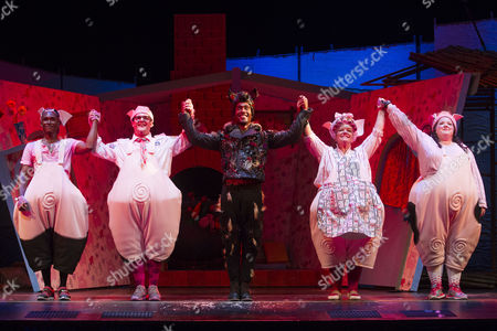 Stock Image of Taofique Folarin (Bar), Daniel Buckley (Q), Simon Webbe (Wolf), Alison Jiear (Mother Pig) and Leanne Jones (Bee) during the curtain call