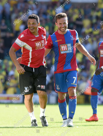 Crystal Palace's John Salako and Yohan Cabaye-Norwich City vs Crystal Palace. Barclays Premiere League. Carrow Road 08.08.15 Picture By Rob Howarth.