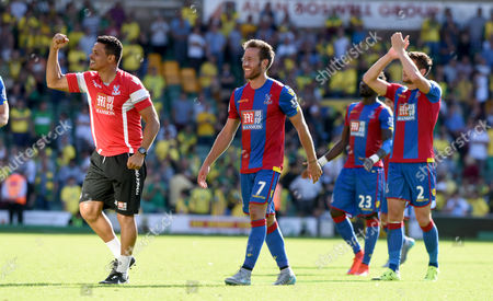 Crystal Palace's  John Salako celebrates at the end of the game-Norwich City vs Crystal Palace. Barclays Premiere League. Carrow Road 08.08.15 Picture By Rob Howarth.