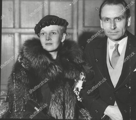 Werner Janssen American Conductor With His Bride Actress Ann Harding After Their Wedding At Caxton Hall. Box 0614 21072015 00109a.jpg.