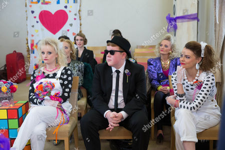 BETH TINKER [LISA GEORGE] KIRK SUTHERLAND [ANDY WHYMENT]    SINEAD TINKER [KATIE MCGLYNN, CRAIG TINKER [COLSON SMITH] TRACY BARLOW [KATE FORD]