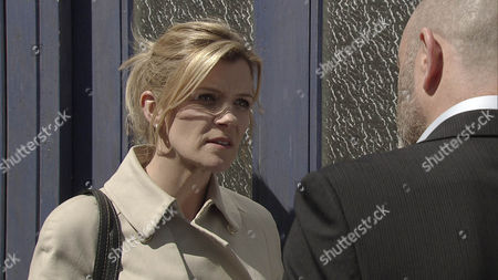 Dan [ANDREW PAUL] approaches Leanne [JANE DANSON} and slamming her against her front door threatens to ruin her life if she breathes a word about this past to Liz.  What is Dan so keen to keep hidden?