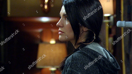 Alicia Metcalfe [NATALIE ANDERSON] is awkward towards David Metcalfe [MATTHEW WOLFENDEN] but he and Leyla are happy Alicia seems brighter but David worries when Robert Sugden [RYAN HAWLEY] tells him about Lachlan's return tomorrow.
