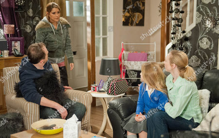 Kerry insists Dan Spencer [LIAM FOX] needs to stay behind so he can support Sean financially but his heart breaks at the thought of losing Amelia Spencer [DAISY CAMPBELL] who will leave with Ali Spencer [KELLI HOLLIS] and Ruby. Dan is devastated about telling Amelia he isn't going with them. Ruby explains the move to Rachel Breckle [GEMMA OATEN], leaving her hurt Ali never told her. Soon Rachel is on the warpath as Dan's heart breaks.