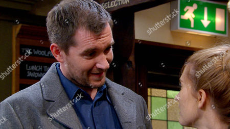 Ross Barton [MICHAEL PARR] and Debbie Dingle [CHARLEY WEBB] kiss, arranging to meet up at Dale View, but their plans are ruined when Pete Barton [ANTHONY QUINLAN] tells guilty Debbie he's taking her away for the night. Can Ross contain his jealousy?