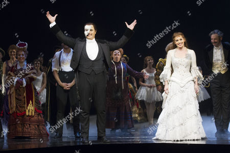 Geronimo Rauch (The Phantom of the Opera) and Harriet Jones (Christine Daae) during the curtain call