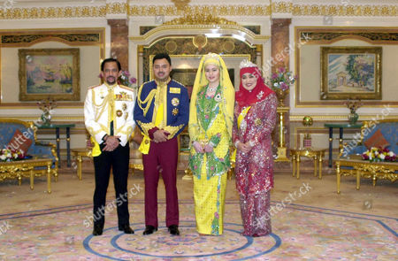The groom's father Sultan Hassan Al Bolkiah Muizzadin Waddaulah, Crown Prince of Brunei, Haji Al Muhtade Billah Darussalam, Princess Dayangku Sarah Binti Salleh Ab Rahaman and Queen Rajia