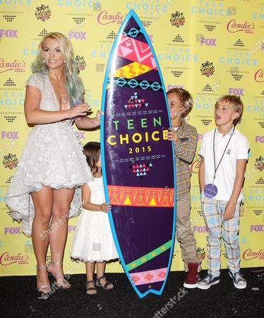 Stock Picture of Britney Spears, Jayden James Federline, Sean Federline and niece Lexie