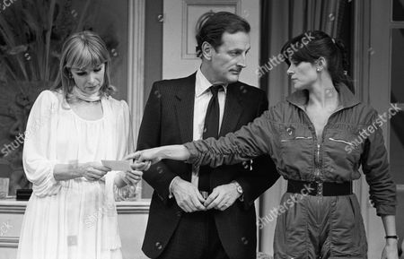 Stock Image of House Guest @ Yvonne Arnaud Theatre, Guildford 9/2/81 Susan Hampshire, Gerald Harper & Jane Cussons